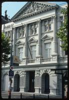Portuguese Synagogue (Amsterdam, Netherlands) : Nearby building in classic design style to show site context