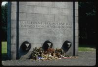 Neuengamme Concentration Camp : Inspirational message on commemorative plaque