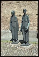 Ravensbrück Concentration Camp : Sculpture of women prisoners and commemorative wall