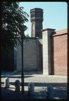 Plötzensee Prison (Berlin, Germany) : Outside wall, site context